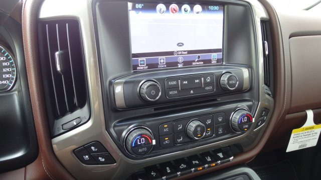 2018 Silverado 3500 Crew Cab 4x4 Pickup #180161 - photo 23