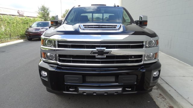 2018 Silverado 3500 Crew Cab 4x4 Pickup #180161 - photo 5