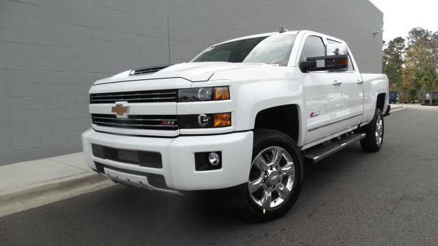 2018 Silverado 2500 Crew Cab 4x4 Pickup #180261 - photo 9