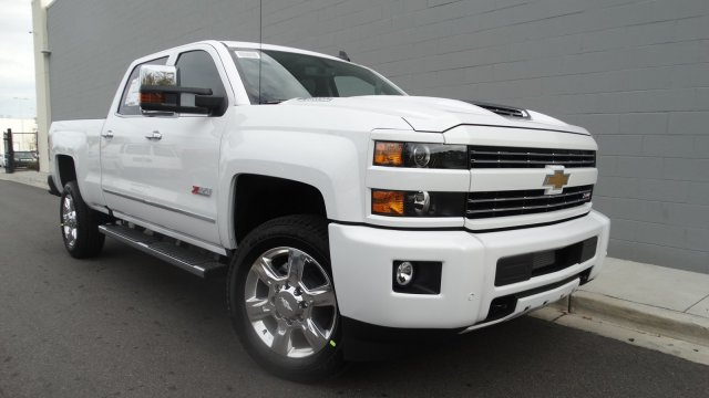 2018 Silverado 2500 Crew Cab 4x4 Pickup #180261 - photo 4