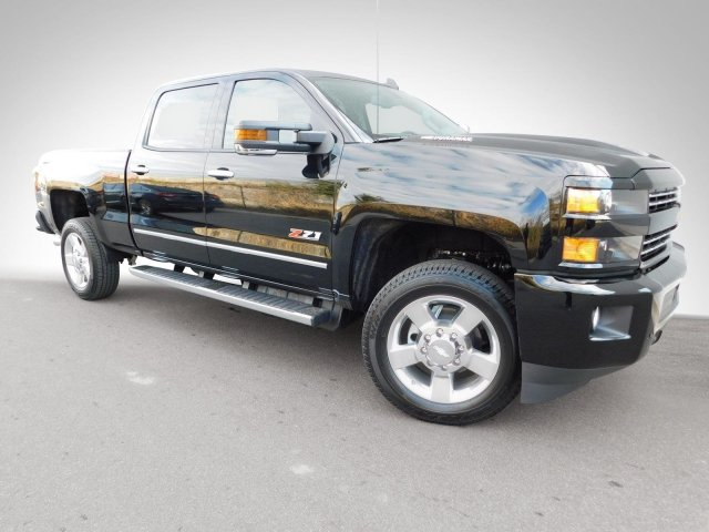 2018 Silverado 2500 Crew Cab 4x4,  Pickup #180303 - photo 3