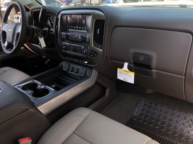 2018 Silverado 2500 Crew Cab 4x4,  Pickup #180350 - photo 18