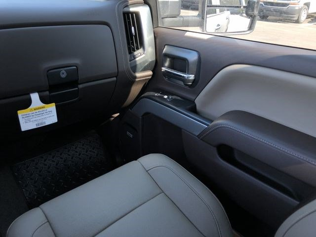 2018 Silverado 2500 Crew Cab 4x4,  Pickup #180350 - photo 25
