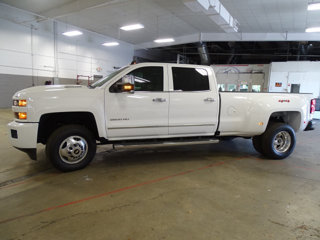 2018 Silverado 3500 Crew Cab 4x4,  Pickup #180467 - photo 10