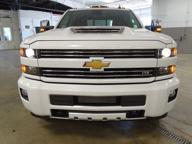 2018 Silverado 3500 Crew Cab 4x4,  Pickup #180467 - photo 3