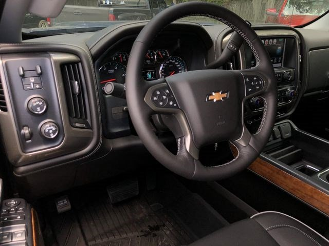 2018 Silverado 2500 Crew Cab 4x4,  Pickup #180490 - photo 18