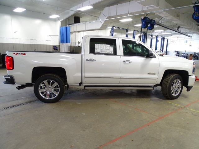 2018 Silverado 1500 Crew Cab 4x4,  Pickup #180537 - photo 9