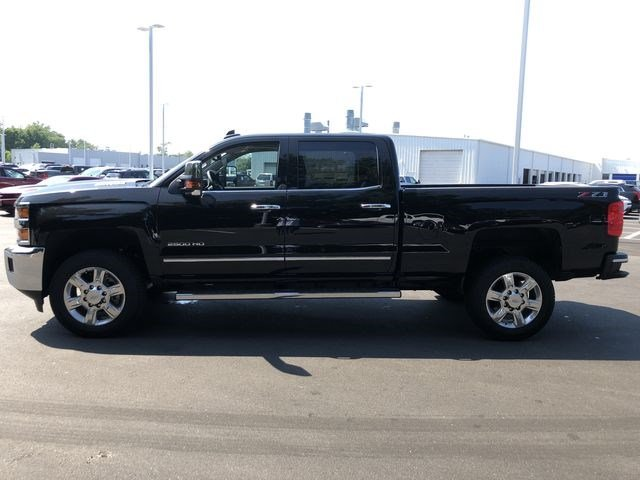 2018 Silverado 2500 Crew Cab 4x4,  Pickup #180539 - photo 6