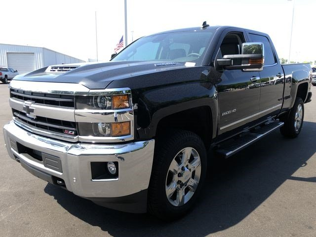 2018 Silverado 2500 Crew Cab 4x4,  Pickup #180539 - photo 7