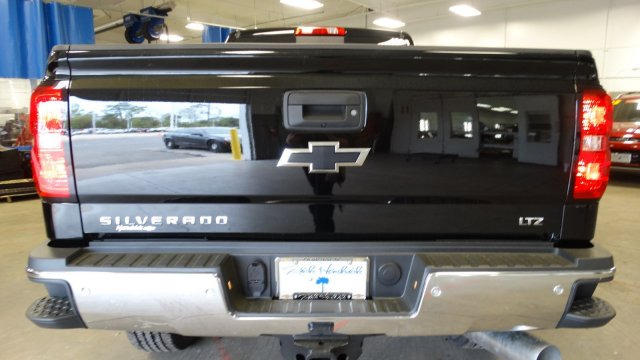 2018 Silverado 2500 Crew Cab 4x4,  Pickup #180539 - photo 4