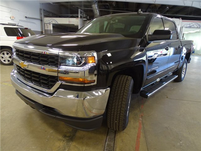2018 Silverado 1500 Crew Cab 4x4,  Pickup #180572 - photo 3