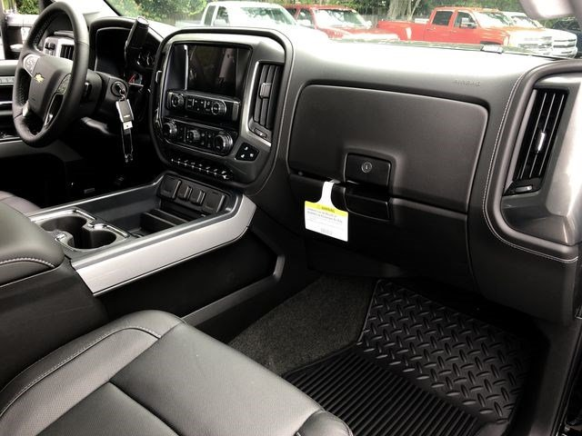 2018 Silverado 2500 Crew Cab 4x4,  Pickup #180641 - photo 17