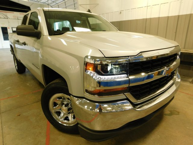 2018 Silverado 1500 Double Cab, Pickup #D18088 - photo 3