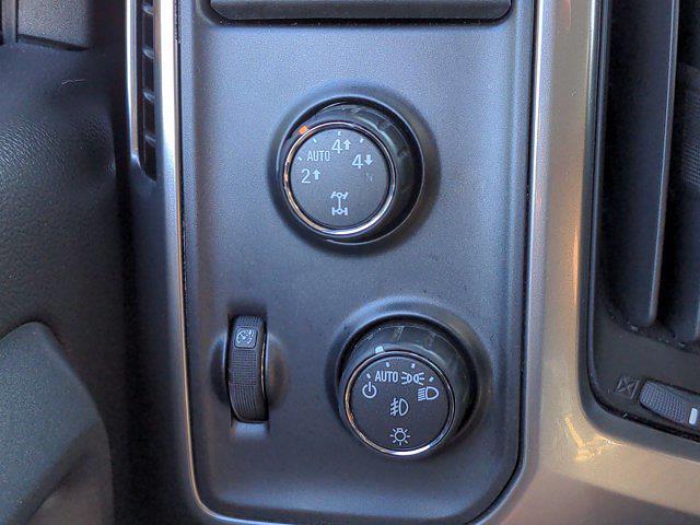 2015 Chevrolet Silverado 1500 Crew Cab 4x4, Pickup #M00765A - photo 19