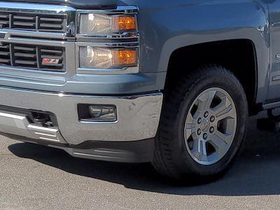 2015 Chevrolet Silverado 1500 Crew Cab 4x4, Pickup #M00765A - photo 10