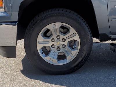 2015 Chevrolet Silverado 1500 Crew Cab 4x4, Pickup #M00765A - photo 11