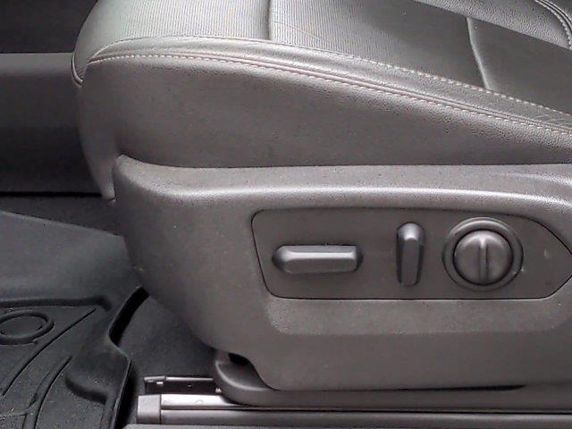 2019 Chevrolet Silverado 1500 Crew Cab 4x4, Pickup #M00795A - photo 18