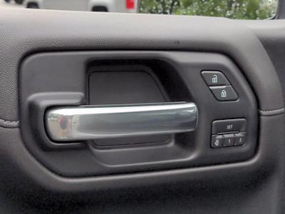 2019 Chevrolet Silverado 1500 Crew Cab 4x4, Pickup #M00795A - photo 14