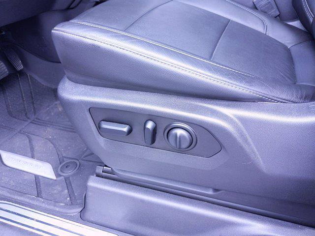 2020 Chevrolet Silverado 1500 Crew Cab 4x4, Pickup #M00820A - photo 18