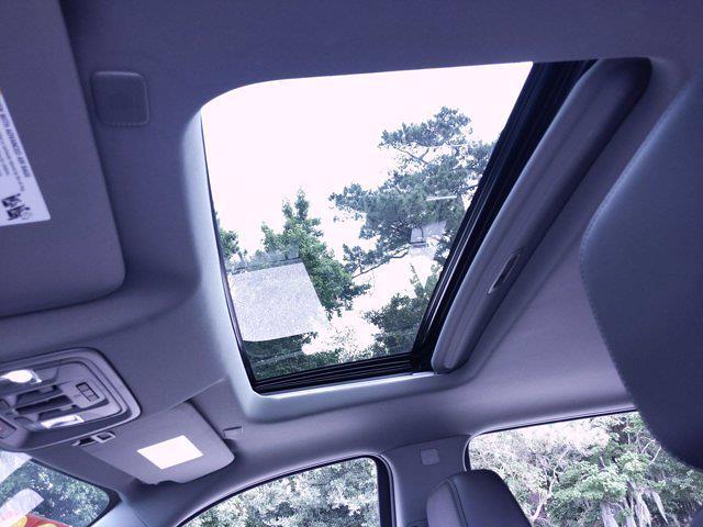 2020 Chevrolet Silverado 1500 Crew Cab 4x4, Pickup #M00820A - photo 19