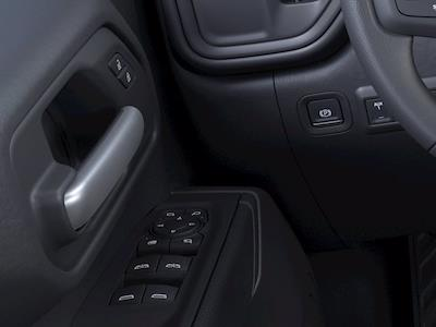 2021 Chevrolet Silverado 2500 Crew Cab 4x2, Pickup #M00841 - photo 19