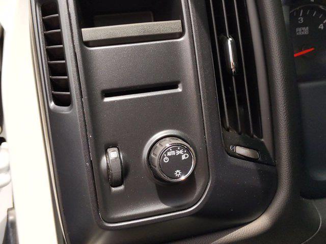 2018 Chevrolet Silverado 1500 Crew Cab 4x2, Pickup #M00861A - photo 18