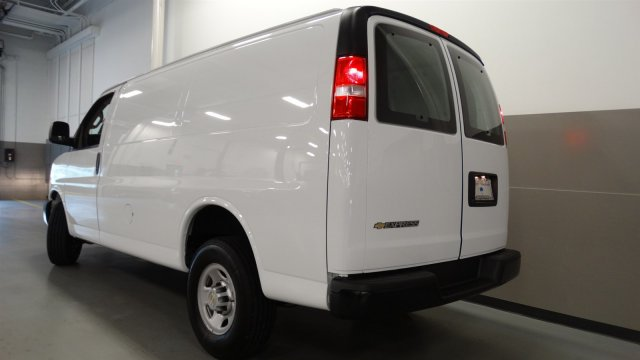 2017 Express 2500, Cargo Van #M170242 - photo 4