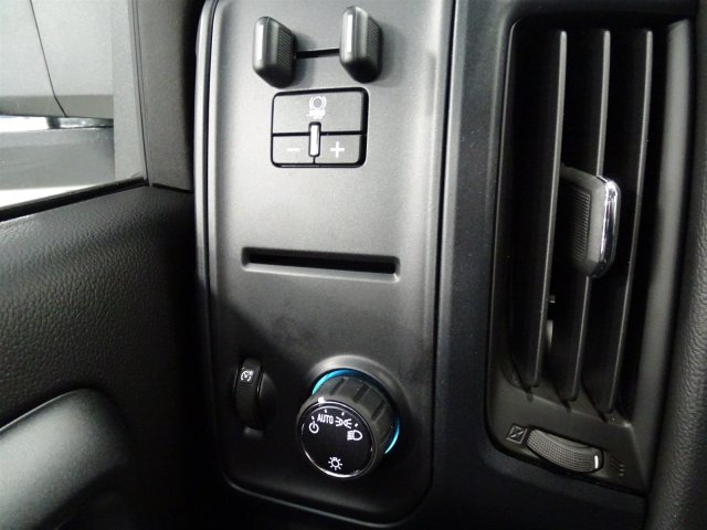 2017 Silverado 2500 Regular Cab 4x4, Pickup #M170446 - photo 16