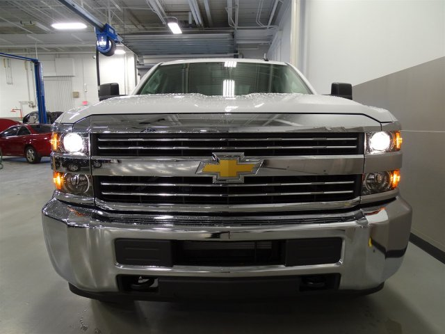 2017 Silverado 2500 Crew Cab, Pickup #M170449 - photo 4