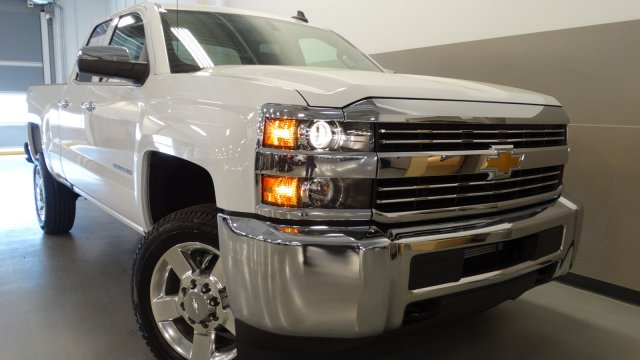 2017 Silverado 2500 Double Cab 4x4, Pickup #M170630 - photo 5