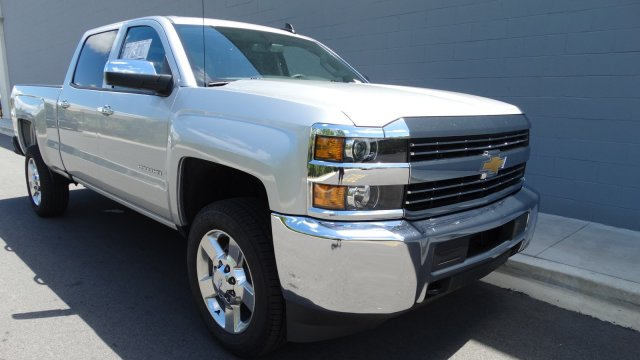 2017 Silverado 2500 Crew Cab, Pickup #M170668 - photo 3
