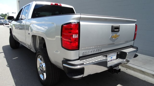 2017 Silverado 2500 Crew Cab, Pickup #M170668 - photo 2
