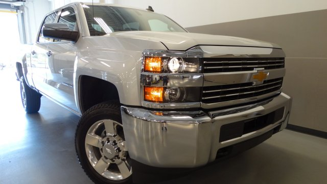 2017 Silverado 2500 Crew Cab, Pickup #M170674 - photo 3