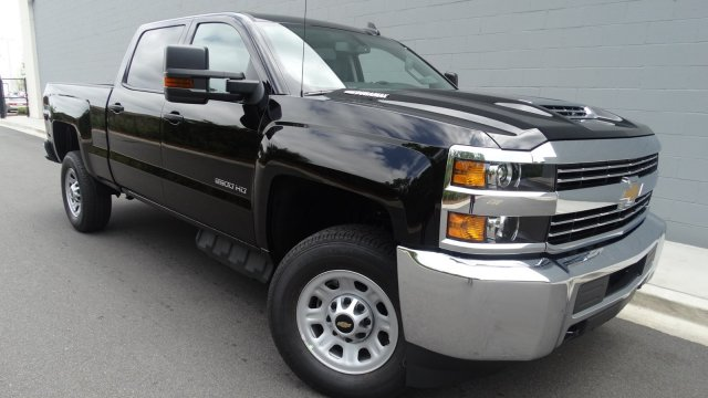 2017 Silverado 2500 Crew Cab 4x4, Pickup #M170868 - photo 10