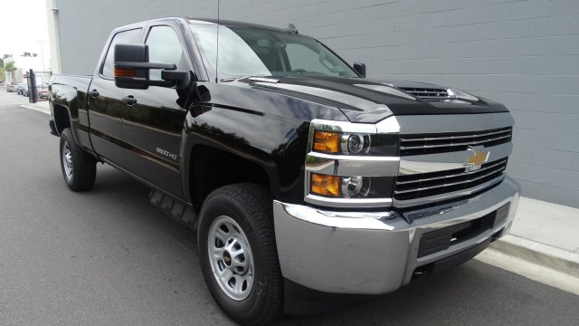 2017 Silverado 2500 Crew Cab 4x4, Pickup #M170868 - photo 3