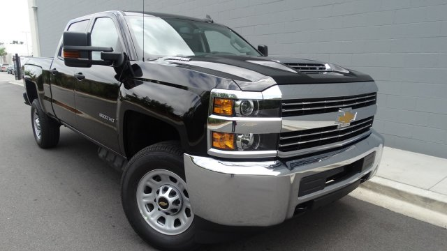2017 Silverado 2500 Crew Cab 4x4, Pickup #M170868 - photo 4