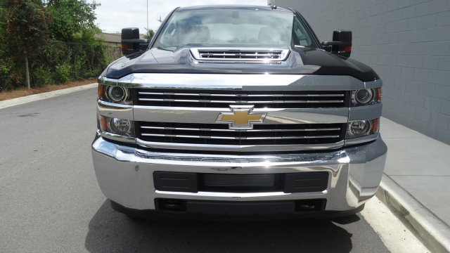 2017 Silverado 2500 Crew Cab 4x4, Pickup #M170868 - photo 5