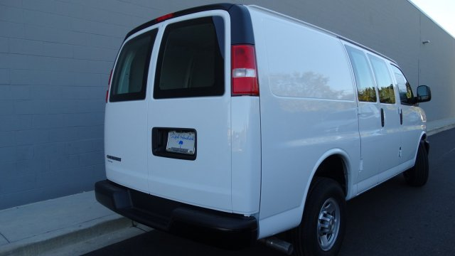 2017 Express 2500 Cargo Van #M171024 - photo 10