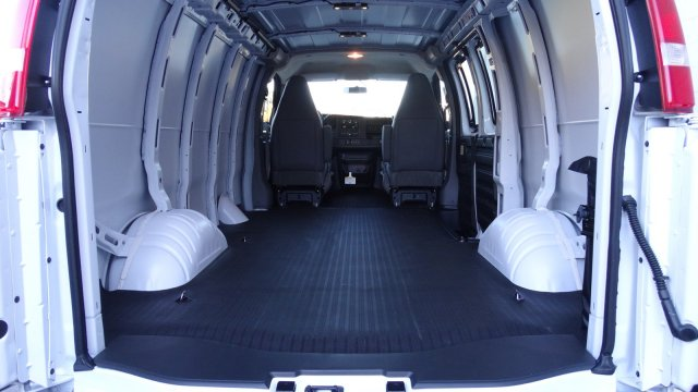 2017 Express 2500 Cargo Van #M171031 - photo 2