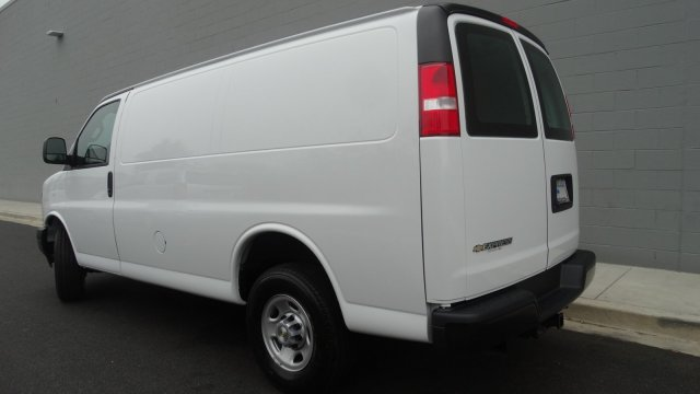 2017 Express 2500 Cargo Van #M171032 - photo 9