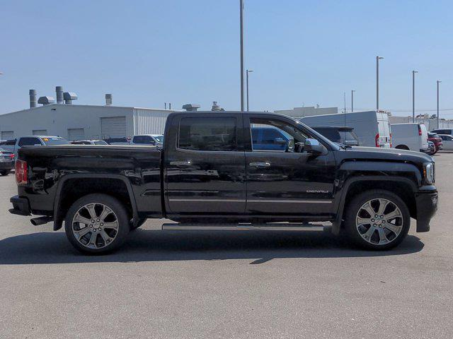 2017 GMC Sierra 1500 Crew Cab 4x4, Pickup #SA70493 - photo 4