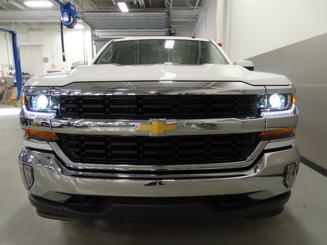 2017 Silverado 1500 Crew Cab, Pickup #T17019 - photo 4