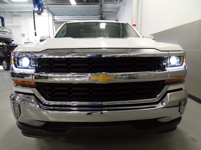 2017 Silverado 1500 Crew Cab, Pickup #T17027 - photo 4