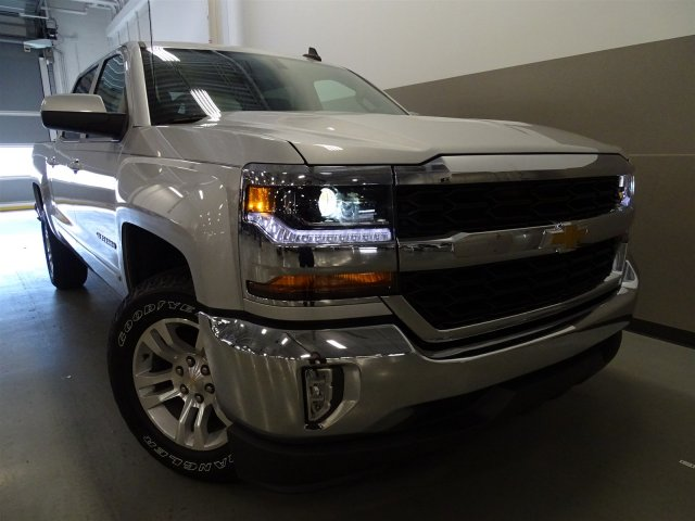 2017 Silverado 1500 Crew Cab, Pickup #T17036 - photo 3