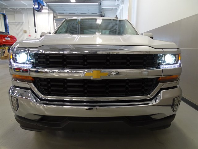 2017 Silverado 1500 Crew Cab, Pickup #T17036 - photo 4