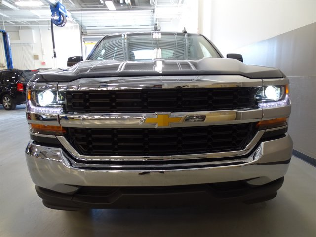 2017 Silverado 1500 Crew Cab, Pickup #T17041 - photo 4