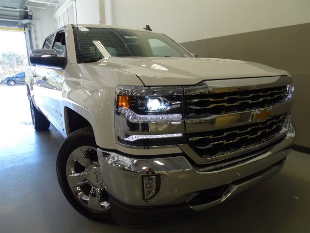 2017 Silverado 1500 Crew Cab, Pickup #T17047 - photo 3