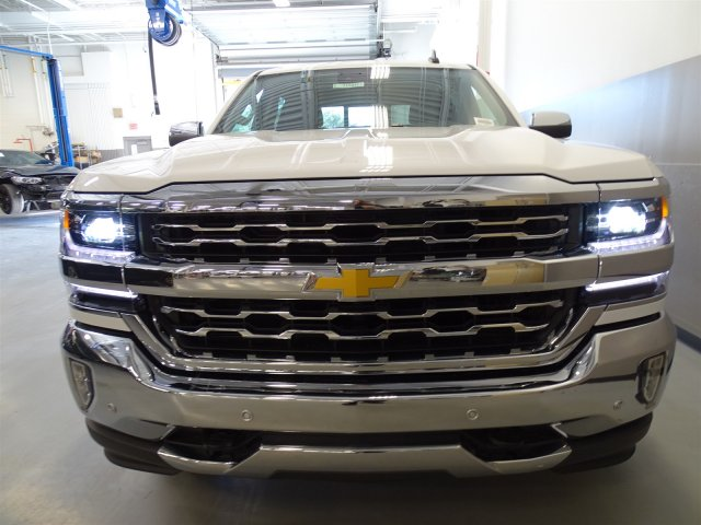 2017 Silverado 1500 Crew Cab, Pickup #T17047 - photo 4