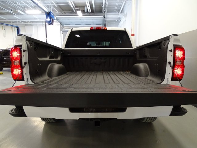 2017 Silverado 1500 Crew Cab 4x4, Pickup #T17063 - photo 6
