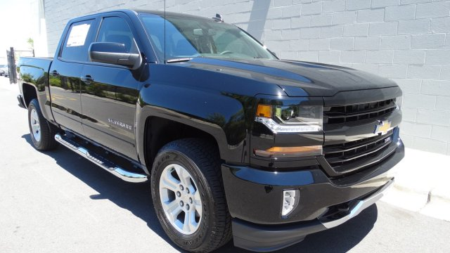 2017 Silverado 1500 Crew Cab 4x4, Pickup #T17121 - photo 3